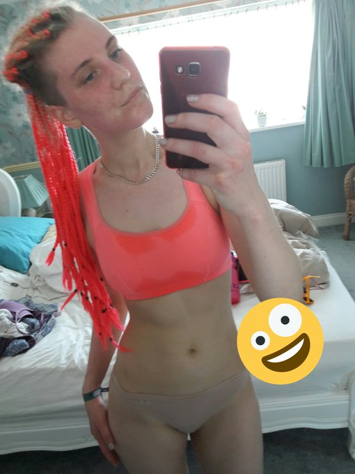 First jog in 6 months..... red faced & sweaty much?! Going to log on to do some post run stretches. Come