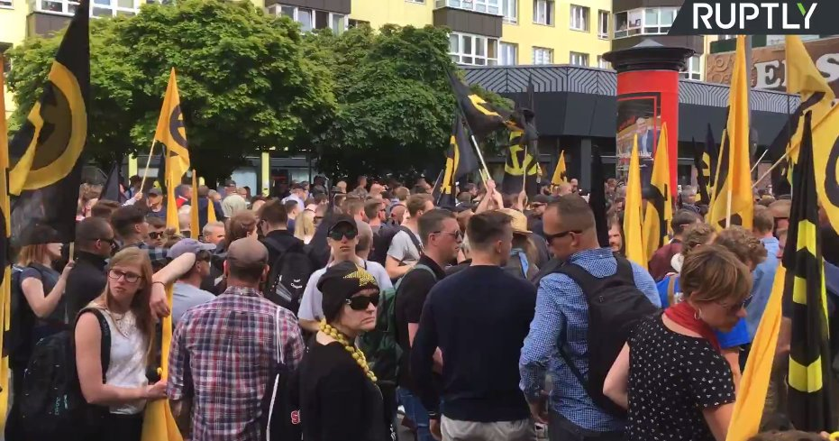 LIVE: Anti-immigration 'Identitarian Movement' demonstrates in Berlin