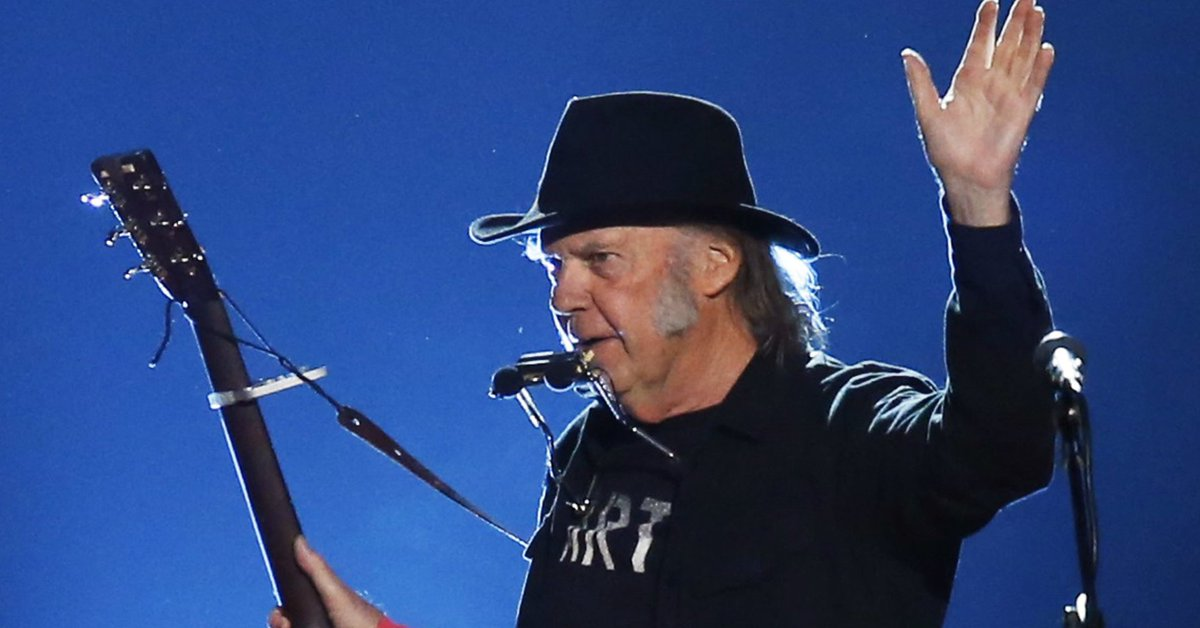 Neil Young Quits Legendary Bridge School Concert For 'Personal Reasons'