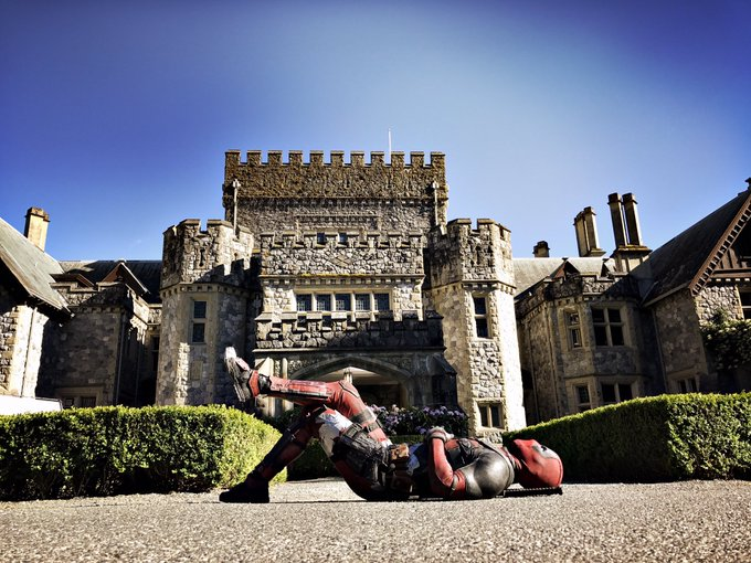 RT @VancityReynolds: Dropped by the X-Mansion. Big fucking surprise. No one's home. https://t.co/svbUMEdKbb