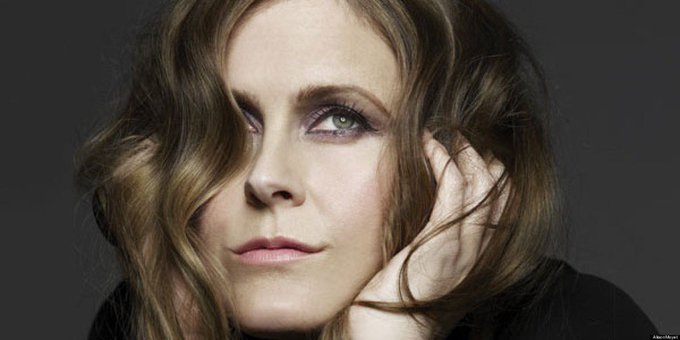 Happy birthday to Alison Moyet - what a beautiful voice