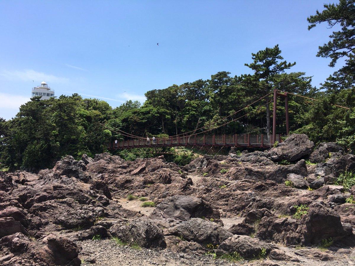 先週の城ヶ崎海岸の動画編集して気づいたんやけど、これ装神少女まといの8話に出てきたヤツちゃう? #matoi_anime