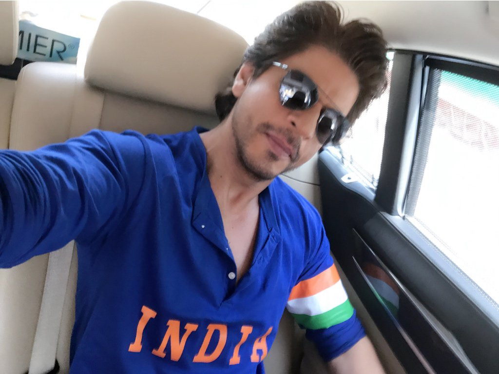 All spruced up 2 cheer for CT17 Finals. Also excited to present the MiniTrails to the world #JabHarryMetSejal https://t.co/hPZDXz1uFo