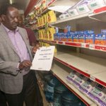 [PHOTOS] Raila makes impromptu visit to Uchumi supermarket, finds no unga