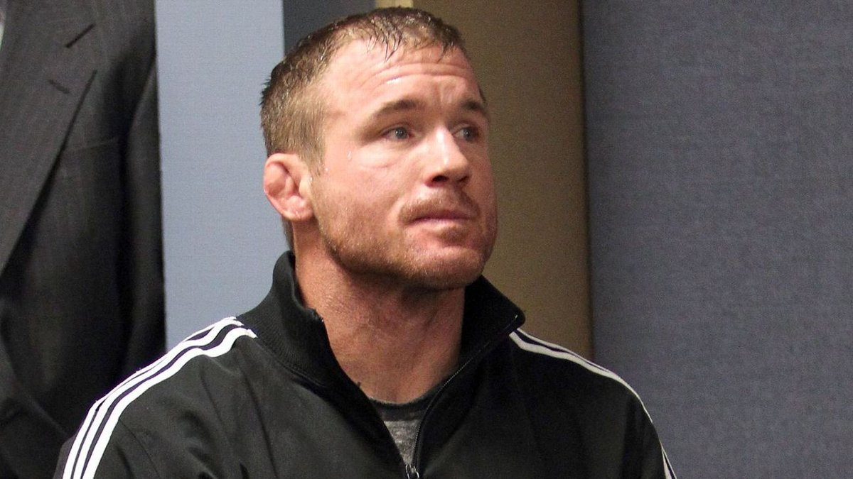 UFC great Hughes still unresponsive after crash https://t.co/uGD9Jaj6OK #NFL #MLB #NBA #NCAA #News https://t.co/AvTnGfa36V