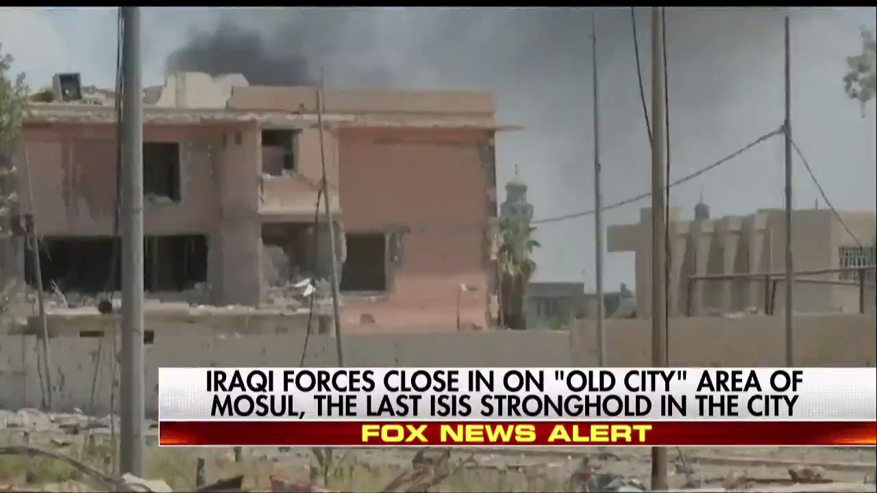 Iraqi forces close in on 'old city' area of Mosul, the last ISIS stronghold in the city. https://t.co/G0udeupF7c https://t.co/ZMn2ij1Q2D