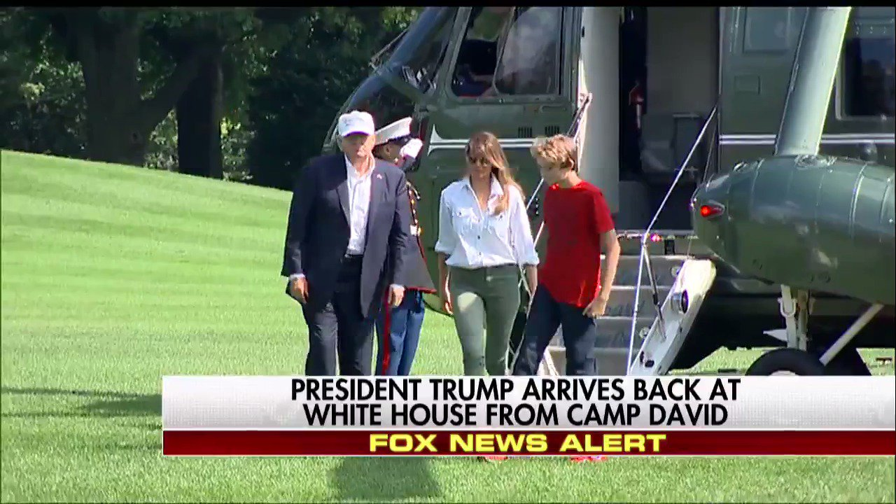 MOMENTS AGO: @POTUS, @FLOTUS, and Barron Trump arrive back at the @WhiteHouse from Camp David. https://t.co/6UUzXsWJNA