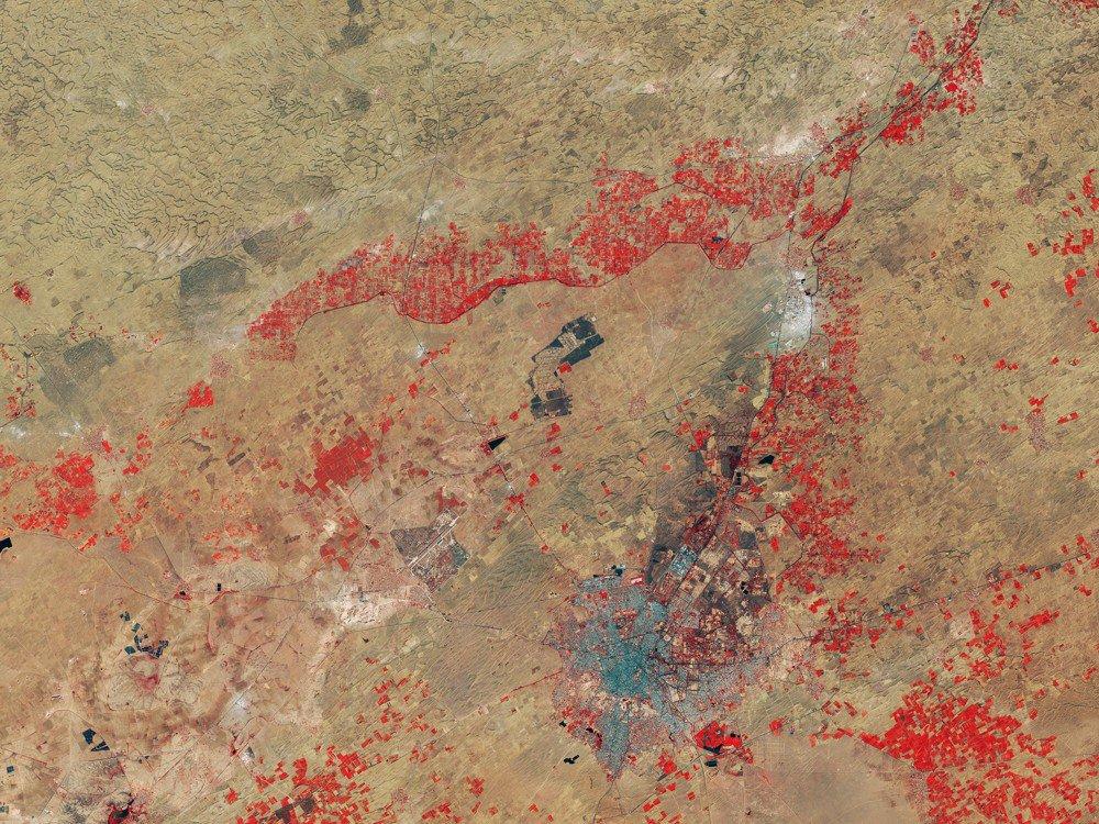 El desierto de Thar (India) visto desde el espacio. ¡Sorprendente!, ¿verdad?:  https://t.co/yjepiWMWWM https://t.co/7shJZZfkBr