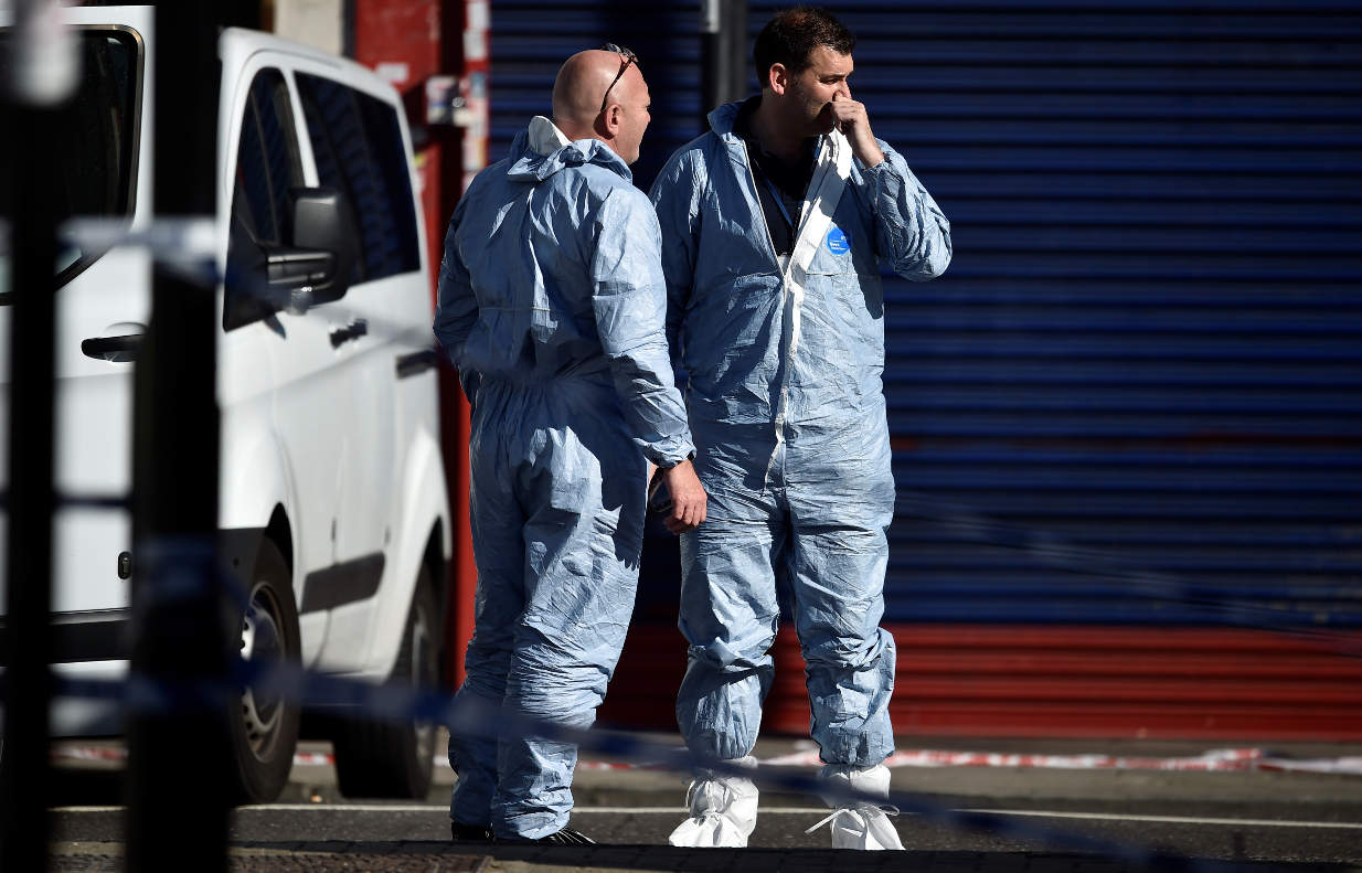 London van attack: One dead as police investigate incident as terrorism https://t.co/9lh01ANwnO https://t.co/c5YFGyaxW4