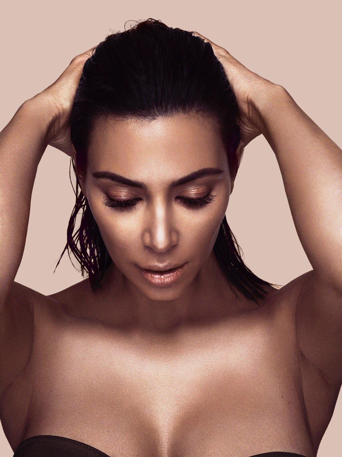 6.21.17 @kkwbeauty https://t.co/SaJRzHlX27