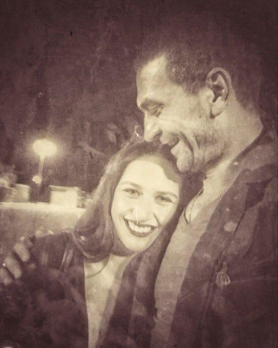 RT @mertsedatt: ne hayallerim vardı.....bir Türk filmiydi #yıldızolcay 🌼 👉🏻 @ilaydacevik 💫  #isimsizler #şehitoluruz https://t.co/5rwVZVzYH5