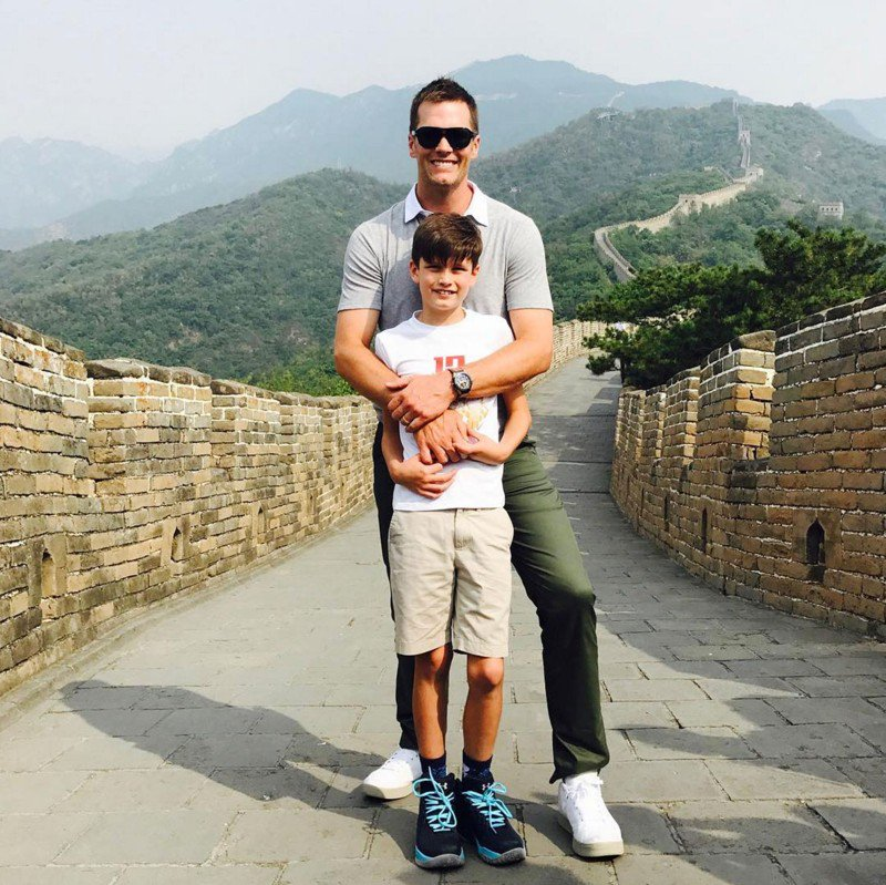 See all the celebrity Father's Day moments — from golf to the great wall