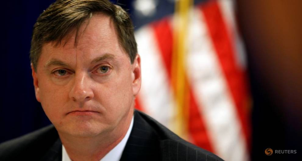 As inflation misses goal, Fed's Evans calls for gradual rate hikes