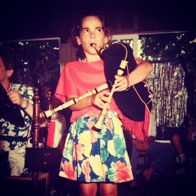 Esta niña es la guapisima #CristinaPato Ya se le veía venir... #lanochepirata #LaVidaEsChachi530 https://t.co/Y5ckh7sgIL