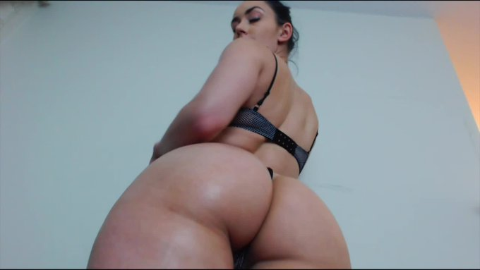 I Know What You Like by @AlannaVcams https://t.co/67HnQADARH @manyvids https://t.co/iXLoczXvpl