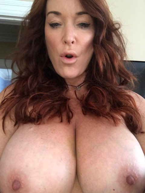 #MILFmonday would definitely not be complete if I didnt post this 😗 https://t.co/wmdBpjt7RF