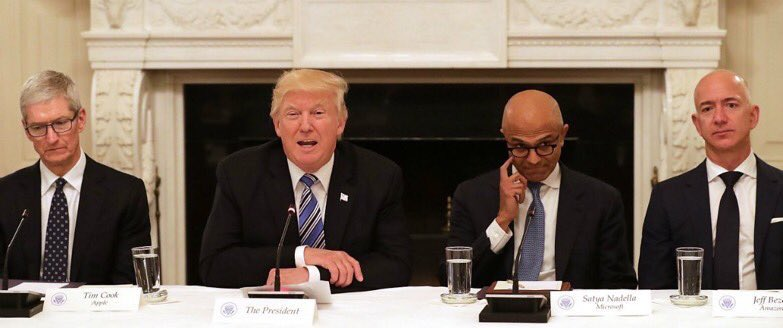 (Because the CEOs of those corporations in the room looked like this.) https://t.co/ltA8olCgQl
