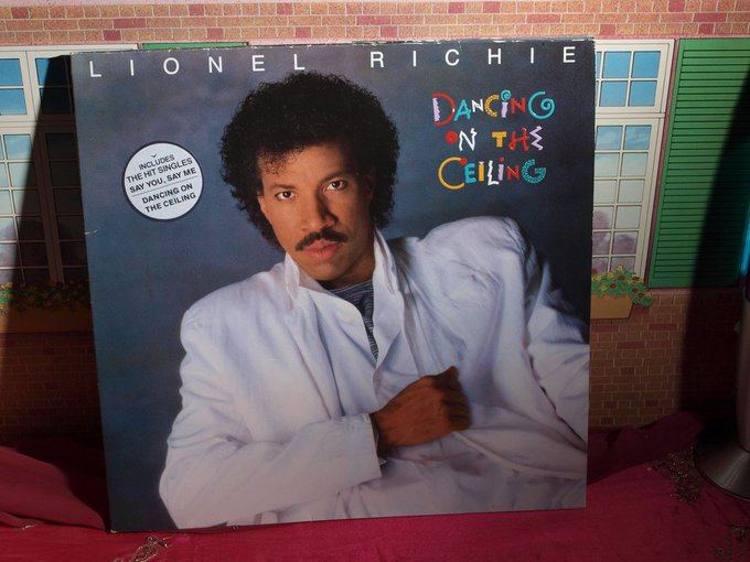 Happy Birthday Lionel Richie ! 68 Years Young!