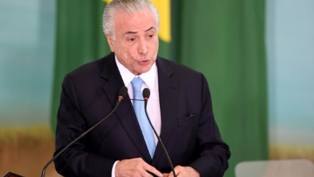 Brazil president to sue tycoon for slander