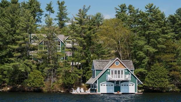Cottage country shows early immunity to GTA real estate cooling From @JMcFarlandGlobe