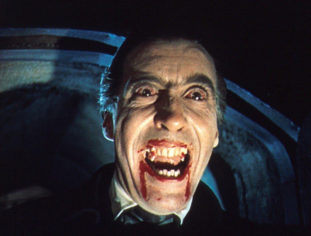 Vampire movievilla in softcore scenes