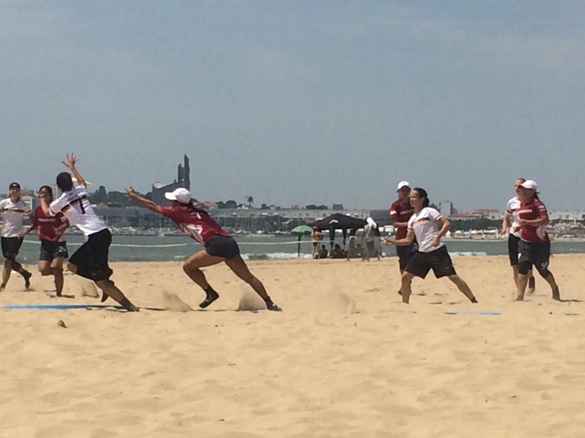 Women&#039;s Division, #GER vs #SIN is underway. We&#039;re up 2-0. #SANDsation #WMN #WCBU2017 https://t.co/suwNiD36wU <a href='https://twitter.com/Germany_WCBU/status/877148092436545537/photo/1' target='_blank'>See original &raquo;</a>