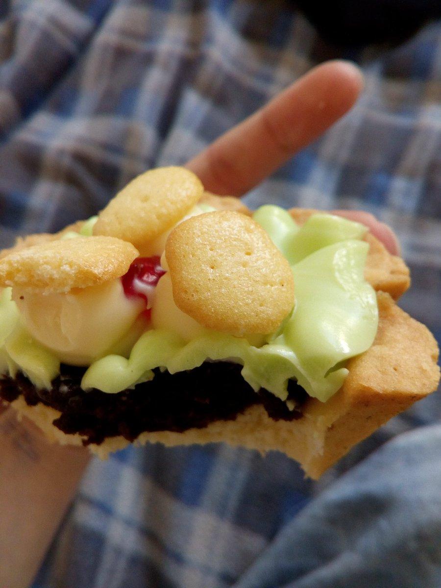 Пирожное картошка с сухарями классический