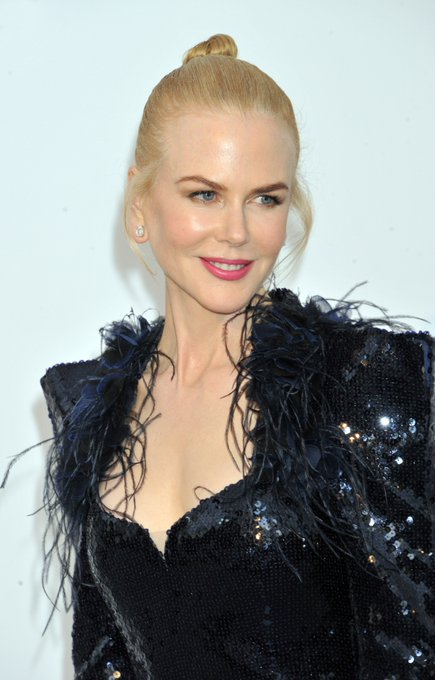Nicole Kidman is 50 how??? Happy birthday, queen!