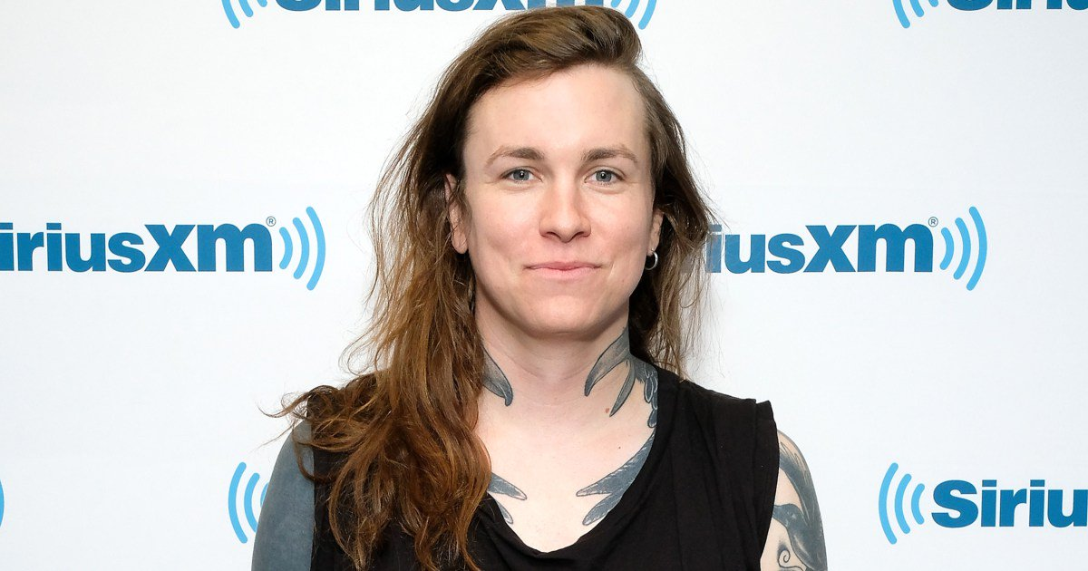 .@LauraJaneGrace to receive the Icon Award at the AP Music Awards: