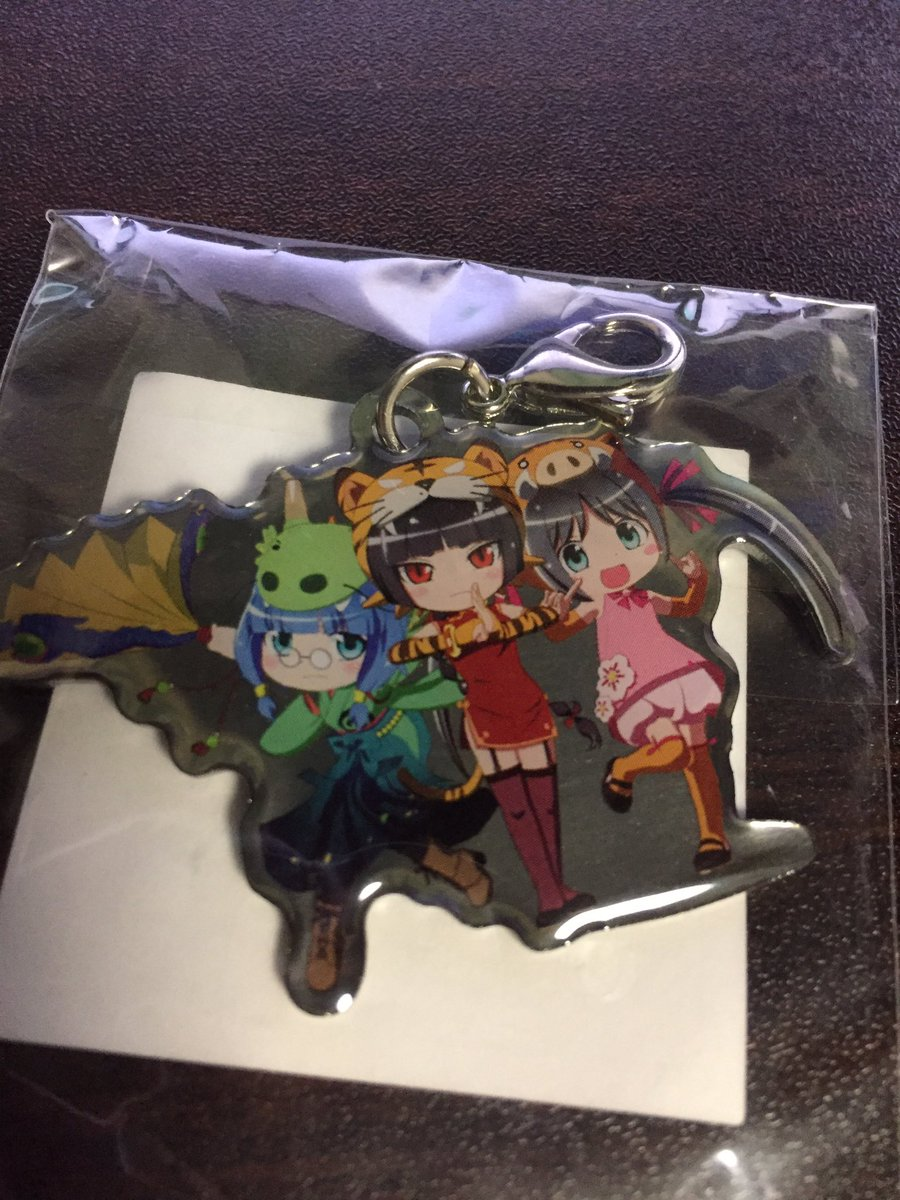 アニメセンター閉館と聞いて、先週東京行った時に買ってきました。まだえとたまのグッズ売ってます。