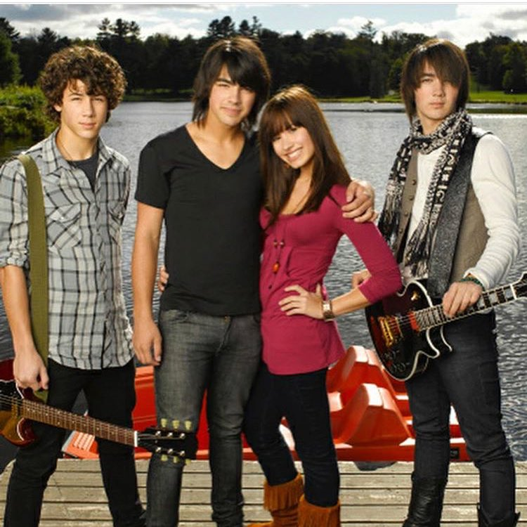 9 years of #Camprock �� I am starting to feel old! P.S. what's going on with these hair choices? �� https://t.co/1PwdYhVttK