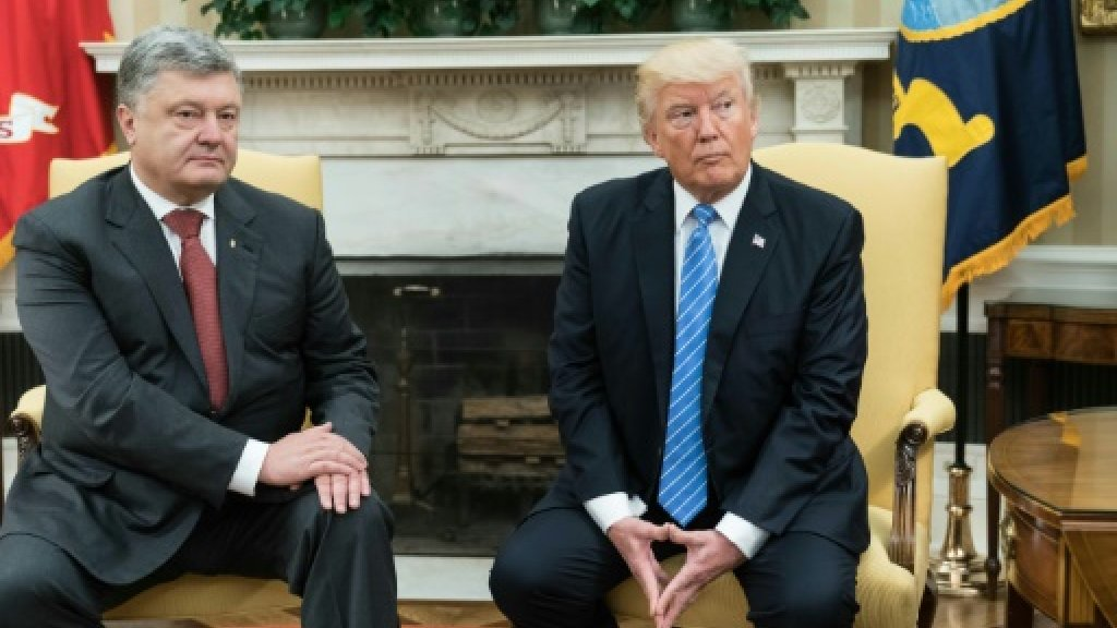 Ukraine's Poroshenko scores Trump White House meeting