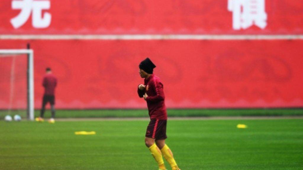 Chinese football champs fine captain for handshake snub