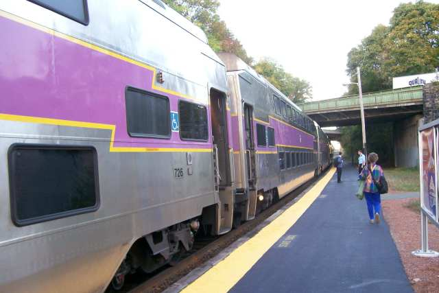 MBTA puts commuter rail Wi-Fi plan on hold amid opposition