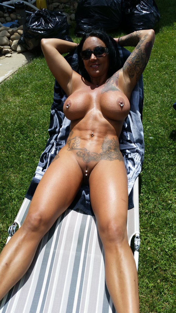 1 pic. #MILFMonday #MILF Some fun in the sun yesterday at my fav pool. lh5ZHZsD9r