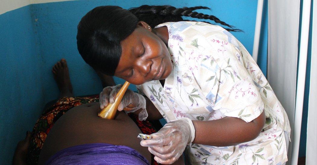 Enticing Pregnant Women in Liberia to Give Birth in Health Centers