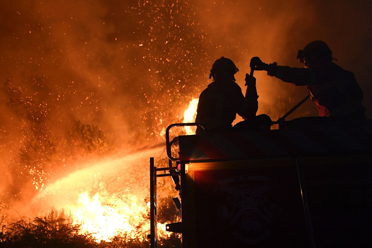 Ten people injured in new Portugal forest fires