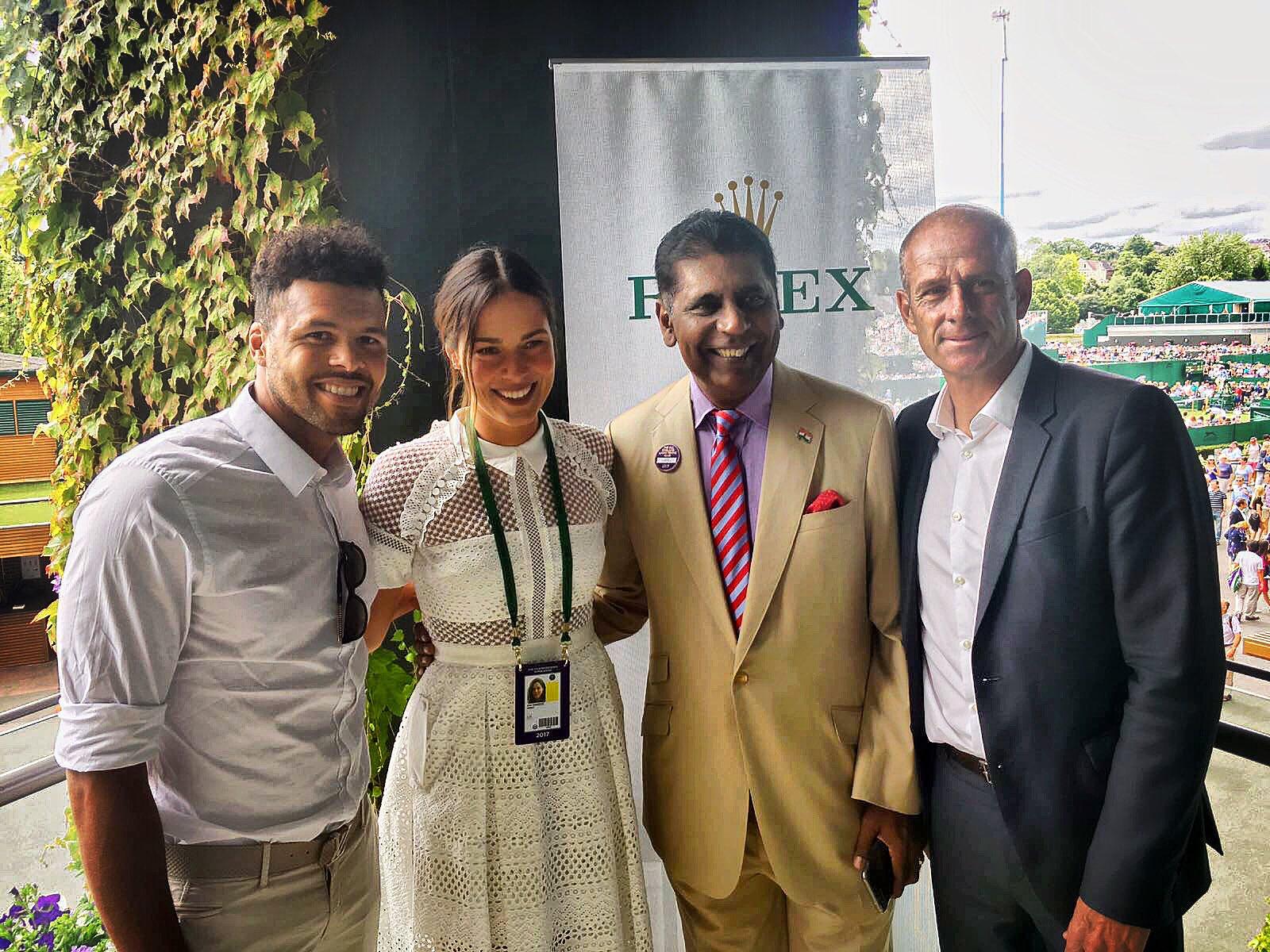 Visite chez mon partenaire #ROLEX  #DayOff #Wimbledon https://t.co/2hZZky7XR5