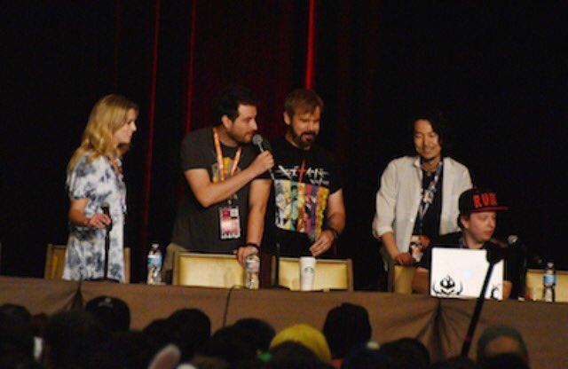 ANIME EXPO 2017のRWBY Panelでハドック氏が着てたTシャツが「キズナイーバー」!さすがTRIGGE