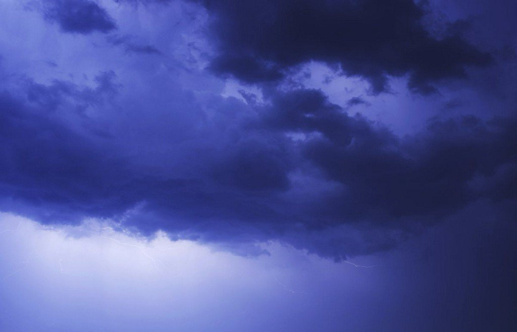 Thunderstorms to sweep through St. Louis Friday