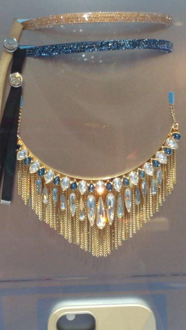 😍😍😍 je viens de voir ce collier chez @swarovski trop beau je le veux !!!   Qui a dit qu'on pouvais pas