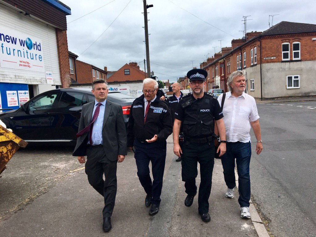 Thanks to @FightBach for joining us on walk-about this morning with the police listening to resident concerns on ASB https://t.co/0uoLlY7rtT