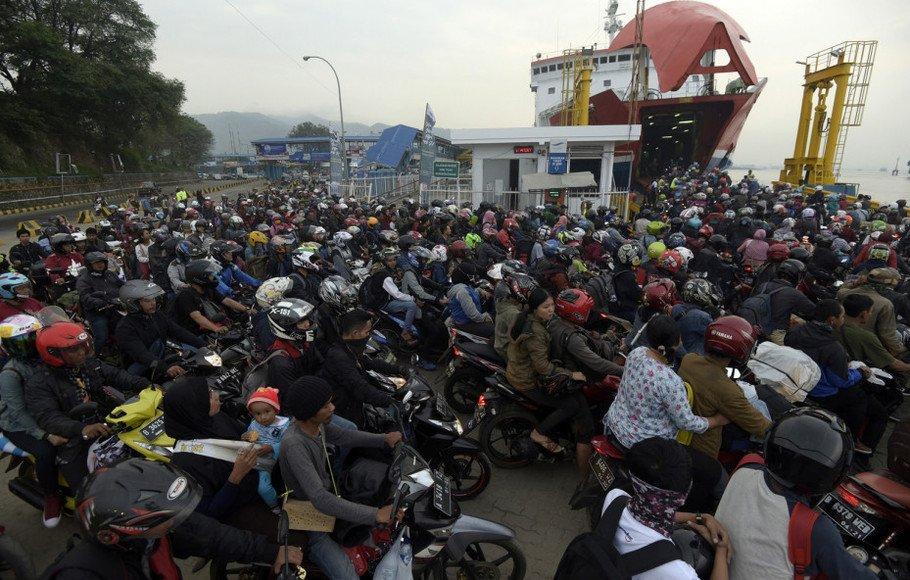 H-3, 173.775 Pemudik Menyeberang ke Sumatera https://t.co/YQzZpchbAB https://t.co/DUeKdsbb1j