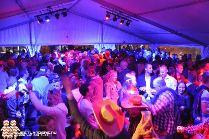Alcoholregels tijdens Westlandse feestweken https://t.co/BzWgxADvvC https://t.co/Tk1G76Htxy