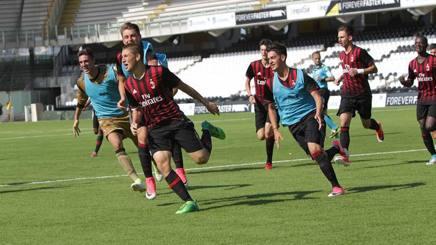Il Milan vince lo scudetto Under 16: 5-2 alla Roma, Maldini Jr fa festa
