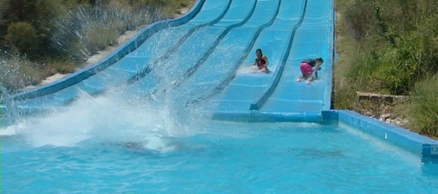 Mueren cinco personas electrocutadas en una piscina de un parque acuático en Turquía