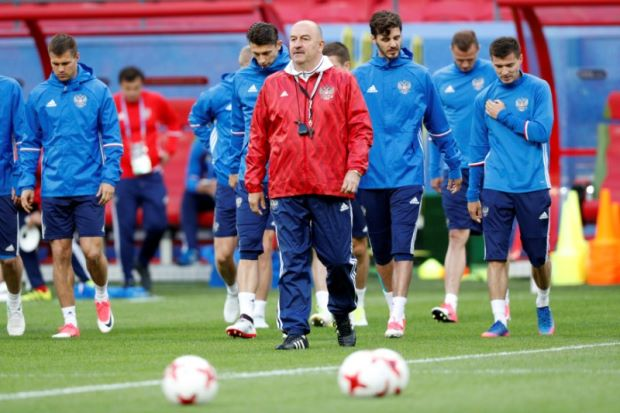 Confed Cup hosts Russia face decisive match against Mexico - Football
