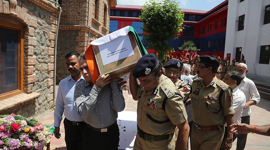 Kashmir mob beats Indian officer to death outside mosque