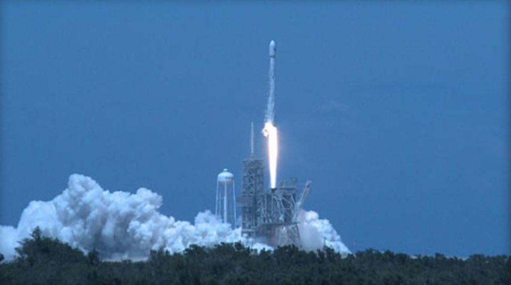SpaceX boosts Falcon 9 rocket into orbit in first of two weekend launches: