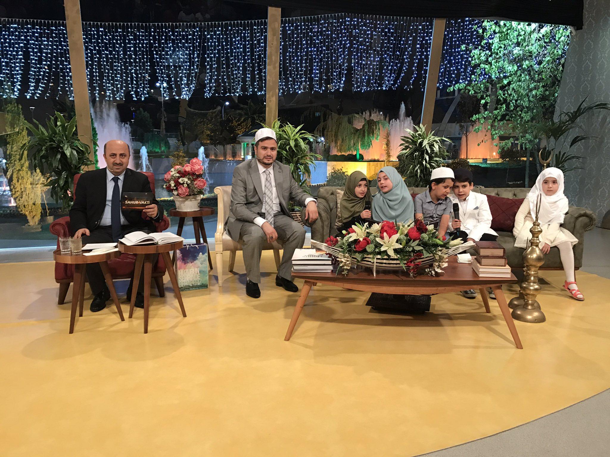 Bismillah birazdan bu seneki son  @Sahurvakti7 @kanal7 de bu güzel cennet meyveleriyle başlıyoruz https://t.co/QvHpiUHlaP